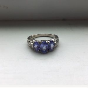 Jewelry - Lovely silver ring
